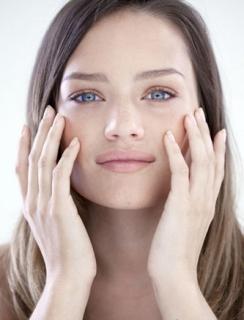 导致脸上长黄褐斑的原因有哪些