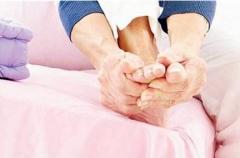 水疱型手足癣有什么症状